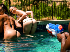 Latina Teen Alexis Tae Enjoys Anal Fisting And BBC With Jane Wilde
