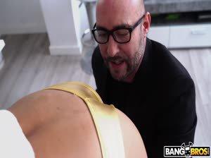 Squirting Veronica's Anal Three Way