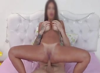 Amazing Sexy Hot Suntanned Milf Loves Anal