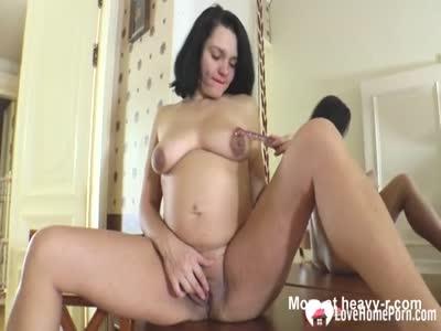 Pregnant Beauty Masturbating