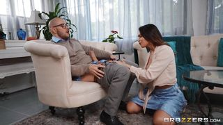 I Knew That My Boss's Wife Is Too Good At Sucking Cocks!